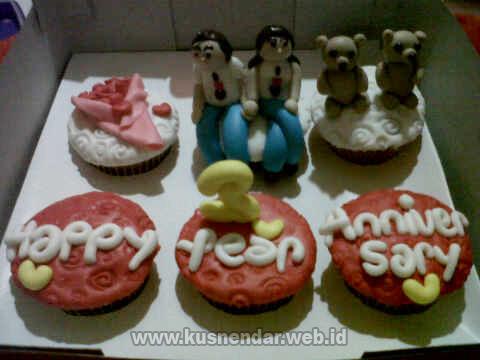 Cupcake Ucapan Anniversary